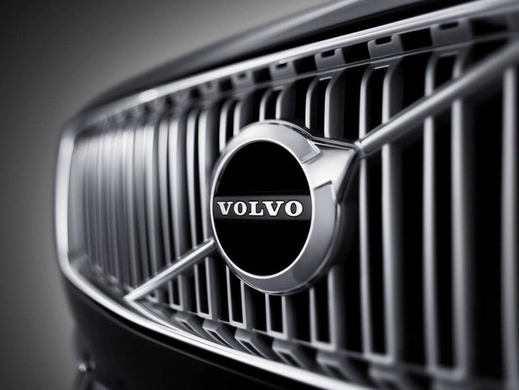 volvo_xc90_first-edition_front-grill-emblem_15 (1)